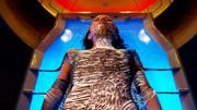 被冷凍了四百多年的變態殺手被送上了太空,蘇醒后太空船遭殃了