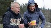 海鲜吃播:挑战鲱鱼罐头,前面吃的很享受